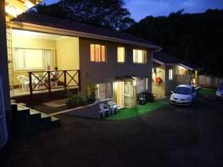 Clinch Self Catering - Very Conveniently Situated., Durban