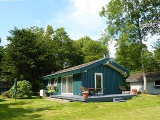 MEADOW LODGE, family friendly, character holiday cottage, with a garden in Coldingham, Ref 1855