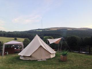 Herons Retreat Glamping, Babell
