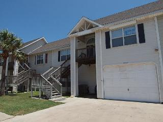 This lovely 3\2 townhome is just a short walk to the beach in downtown Port A, Port Aransas