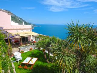 CASALE FRALISA Garden and Sea View, Praiano