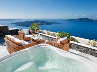 Santorini Luxury Holiday Family Cave Suite 1043