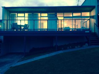 Surfs up apartment hosted by Victor Apartments, Victor Harbor