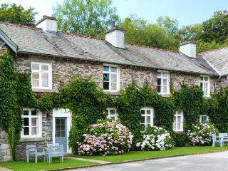 GREENHOWES, pet-friendly cottage with WiFI and fire, share grounds inc. heated pool, in Graythwaite, Ref. 914059, Hawkshead