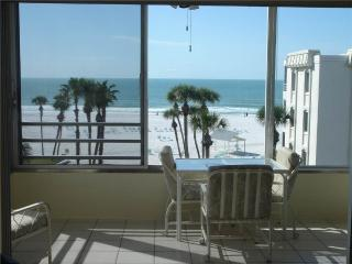 Rest amongst the palm trees ON white beaches - 15 North, Siesta Key