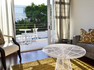 100% Cape Town Apartment in Green Point