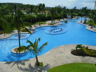 Exclusive Golf Course Condo at the Mayan Resort, Nuevo Vallarta