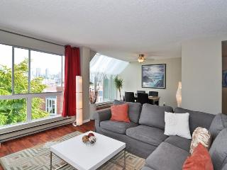 2 Bedroom Vancouver Condo Steps to Granville Island and Seawall