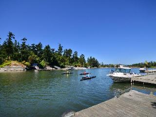 Executive 5 Bedroom Waterfront Home Close to Downtown Victoria