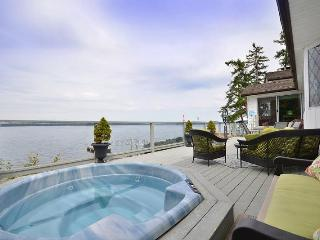 Fantastic 3 Bedroom Ocean Front Retreat on Vancouver Island near Yellow Point, Nanaimo