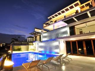 Villa Tokase - Upscale, Cliffhouse with Ocean Views, Waterfalls, Infinity pool, Cabo San Lucas