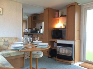 Rye harbour mobile home with shared pool