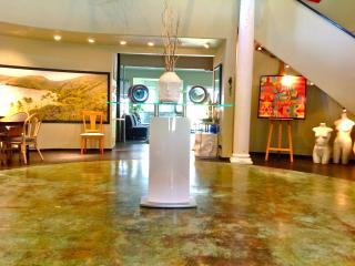 PRIVATE THEATER ART GALLERY HOME, Honolulu