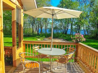 Beautiful Lakefront Cedar House in Victoria Beach, MB facing Elk Island, Belair