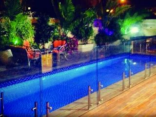 Luxury House With A Private Pool, Netanya