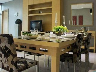 Lucky Charm!3bed/2bath MTR 1 min CENTRE BOUTIQUE $, Hongkong