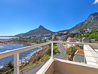 Victoria Views - beachfront position & sea views, Camps Bay