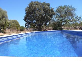 Country cottage from 18th century, completely refurbished with pool, with apartment., Llucmajor