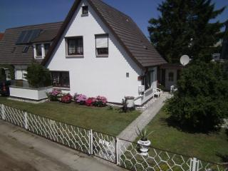 Vacation Apartment in Zingst - 248 sqft, comfortable, beach, bright (# 5378)