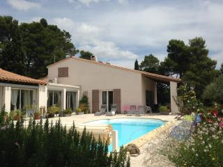 10 mins from Carcassonne 'La Villa Pinede', Villemoustaussou