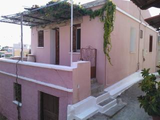 The Pink House, Volissos