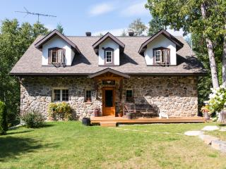 Stone cottage by the river, Morin Heights