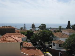 High quality apartment minutes from the centre, Funchal