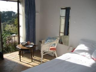 Peaceful traditional style cottage for 4-6 people, Vallauris