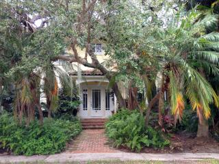 Live Oak House - Historic South Florida Charm, Lake Worth