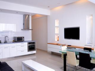 Luxury building apartment 70 m² renovated comfort, Ramat Gan