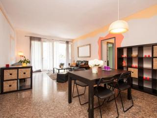Colourful & Central Apartment - WIFI, Barcelona