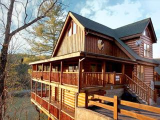 Luxurious Comfort, Stone Fireplace, Wii Gaming, Game Room, Hot Tub & Jacuzzi, Sevierville