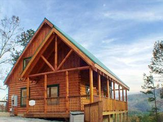 Heavenly View is a one bedroom cabin with fireplace and bedside Jacuzzi., Pigeon Forge