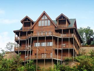 Large Group Cabin, Sleeps 52, In Cabin Pool, Theater Room W/ Stadium Seats