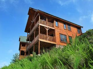 Spacious Luxury, Breathtaking Views, Covered Decks, Resort Zipline, Dogs OK, Sevierville