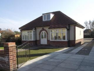 Longlands, Hunmanby, Filey. Spacious holiday property