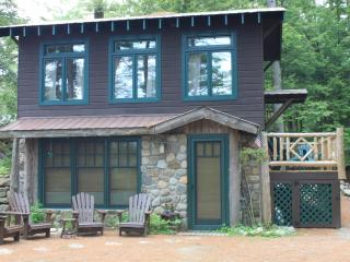 The Treehouse at Atateka Point  Lodge, Chestertown