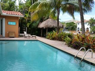 Spectacular Waterfront Villa with great extras, Miami