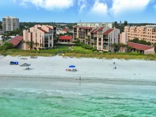 Beachfront Condo Complex - Two BR - Heated Pool - Luxury - Siesta Key