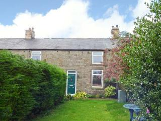 4 HARROGATE COTTAGES, multi-fuel stove, garden with furniture, great base for walking, close to Heritage Coast, near Longframlington, Ref 913529