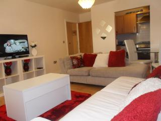 Lovely 2 bed Apartment in West Thamesmead, London, Londres