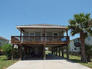 Summer Salt Spacious 3/2, Pet Friendly, Sleeps 10, Minutes from the Beach!, Port Aransas