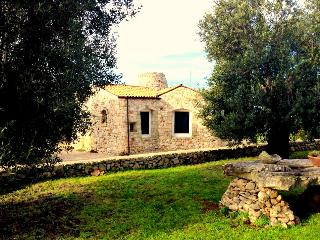 Typical Salento property near Pescoluse's see, Torre Vado