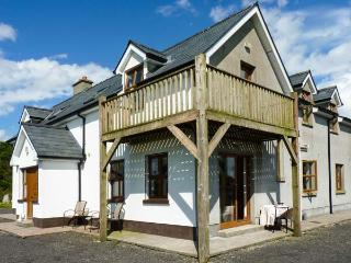 ERRIT, large family cottage, peaceful location, open fire and woodburner, near Ballaghaderreen, Ref 915995, Ballyhaunis