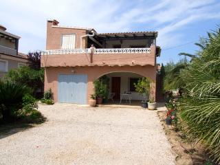 Villa with smiwing pool in Denia
