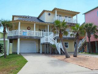 Fabulous 5 bedroom 3 bath home in wonderful Sand Point Circle!!, Port Aransas