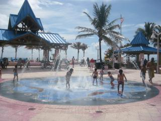 Hollywood Beach Resort (BeachFront)