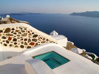 3 bedroom luxury  villa with amazing views, Oia