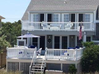 Stunning Ocean Front Home with private beach., Sagamore Beach