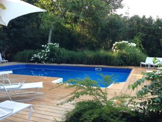 6BR Amazing Southampton Home, Private, Pool, Jacuzzi, Village Near All